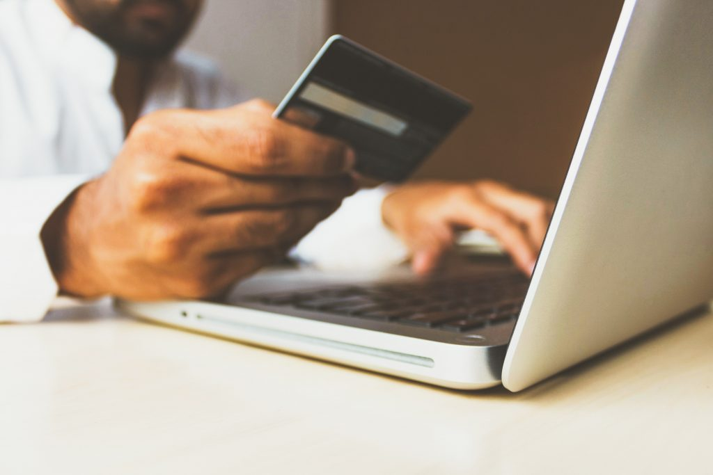 Certificado SSL protege ao fazer pagamentos online.